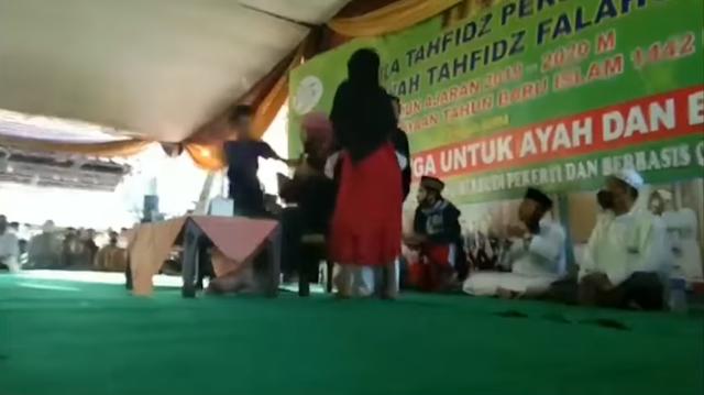Ini Video Detik-Detik Penusukan Syekh Ali Jaber
