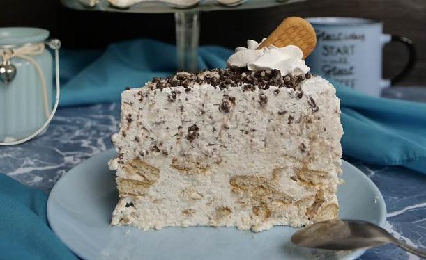 Нежный и вкусный торт без выпечки: просто тает во рту