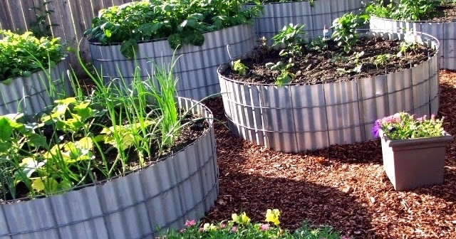 Two Men And A Little Farm Round Raised Beds Inspiration Thursday