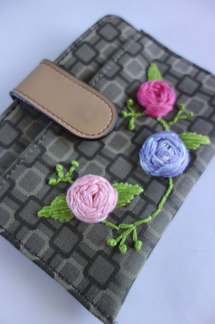 embroidery, embroidered wallet, blah to TADA, sewing crafts, floral embroidery, flowers, Nine West wallet, 3-D embroidery