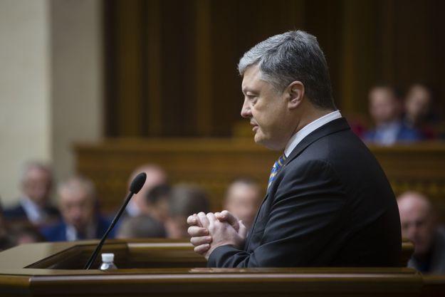 Порошенко анонсував припинення участі України в координаційних органах СНД