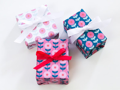 free flower wrapping paper