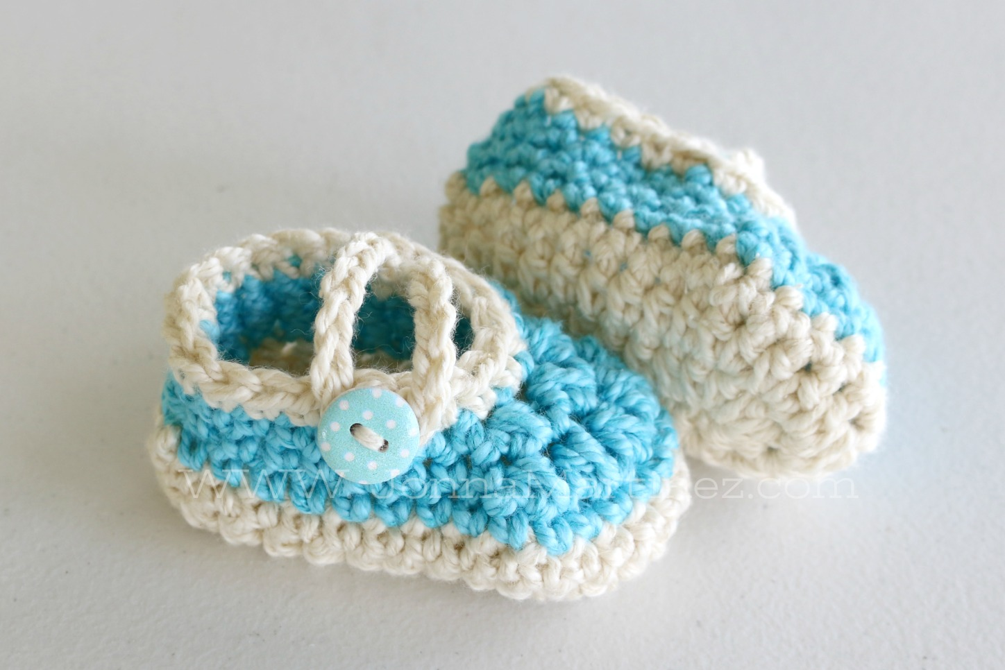 95272852d43f These little shoes are so quick and easy to crochet up. So quick in fact