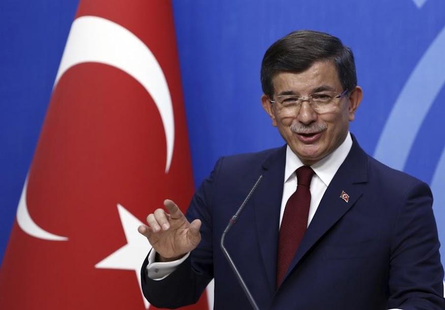 Νταβούτογλου: Ο Ερντογάν έχει εξελιχθεί σε πρόβλημα για την ασφάλεια της Τουρκίας