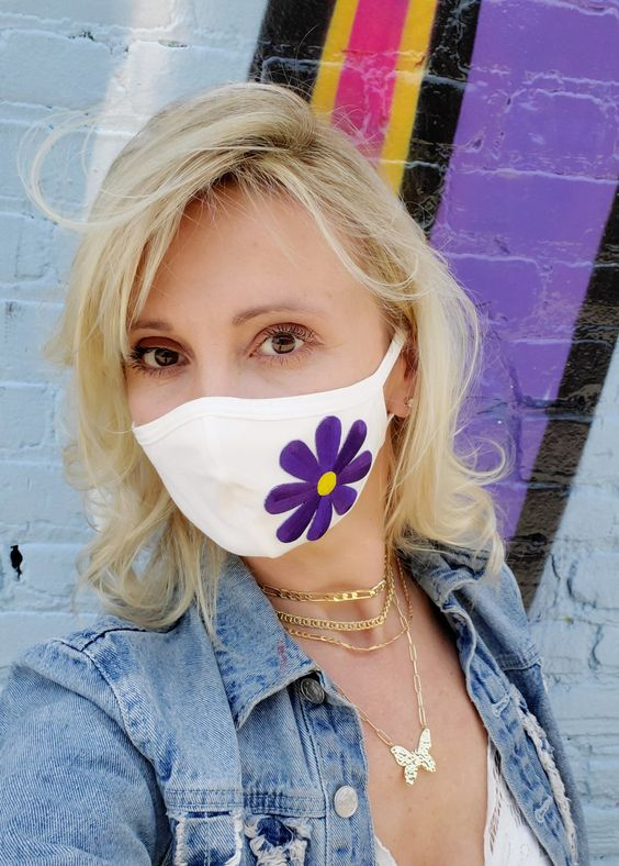 Face masks White color with purple color flower Made