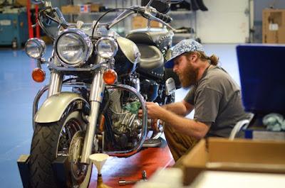 شركة Acme Bikes USA الأمريكية الرائدة في مجال بناء الدراجات النارية المستخدمة عالية الأداء