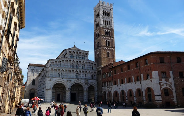 Sobre a Torre delle Ore em Lucca