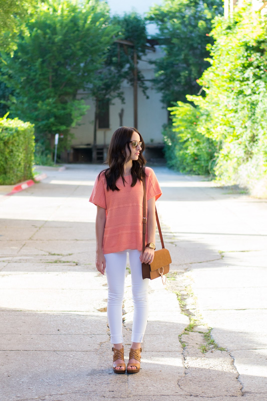 Summer day look with white jeans, coral top and platform sandals