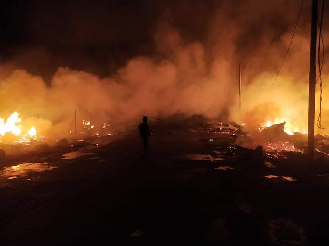Kebakaran di Rumbai Inhil Sebanyak 20 Kios dan Menelan Kerugian Rp 450 Juta