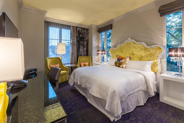 Modern style and a cavalcade of amenities await at Grand Bohemian Hotel Charleston, Autograph Collection. Located in the Charleston Historic District, our boutique hotel offers easy access to destinations in downtown, from the Historic Charleston City Market to the South Carolina Aquarium.