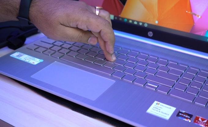 Keyboard flex on the HP 15s-Eq0500AU laptop.