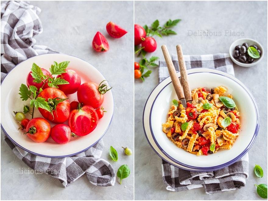 Makaron z pomidorami i pieczarkami