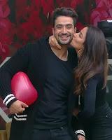 jasmin bhasin with her boyfriend aly goni