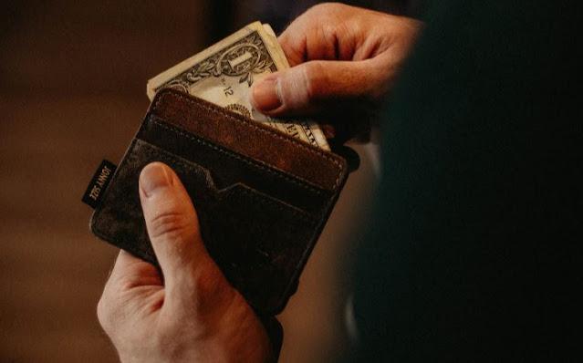 online casino gambling betting money