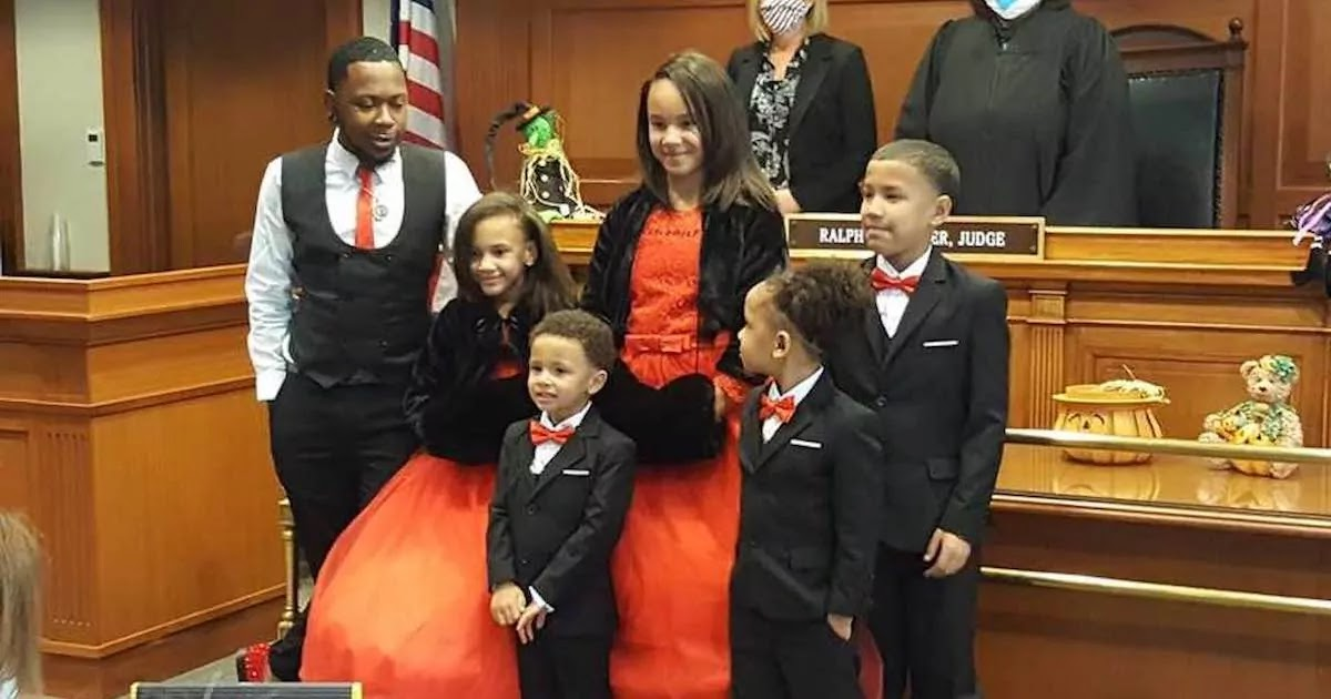 Single Man Aged 29 Adopts 5 Siblings To Make Sure They Stay Together Forever
