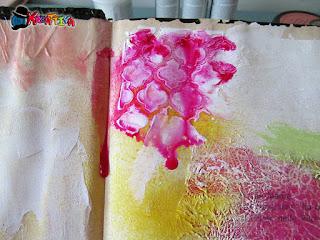 crea effetti di colore con acqua e colore