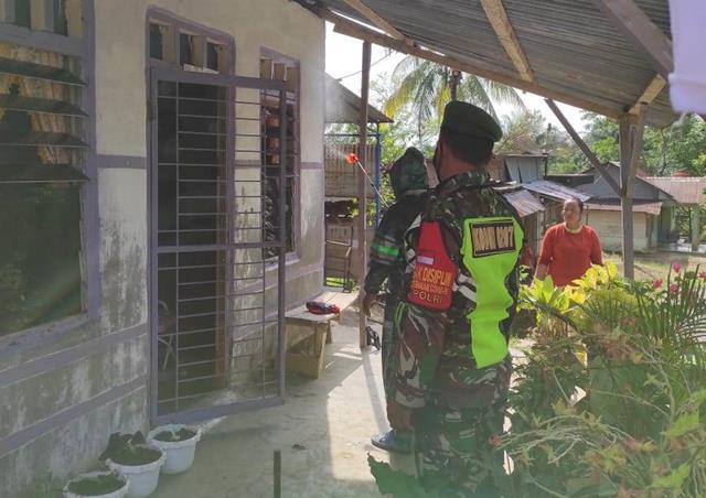 Penyemprotan Cairan Disinfektan Dilaksanakan Personel Jajaran Kodim 0207/Simalungun