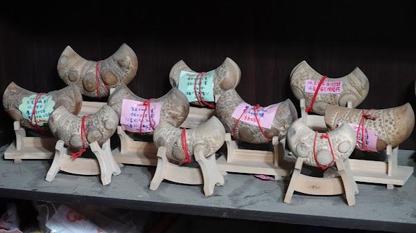 溪湖中雲香坊竹筊杯業者超前部署 製作衛生竹頭筊杯