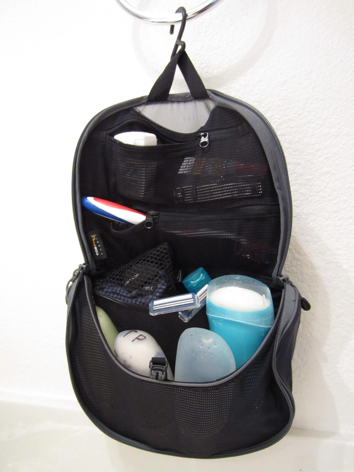 ca27343489d7 Less Than a Hundred  Sea to Summit Hanging Toiletry Bag Review
