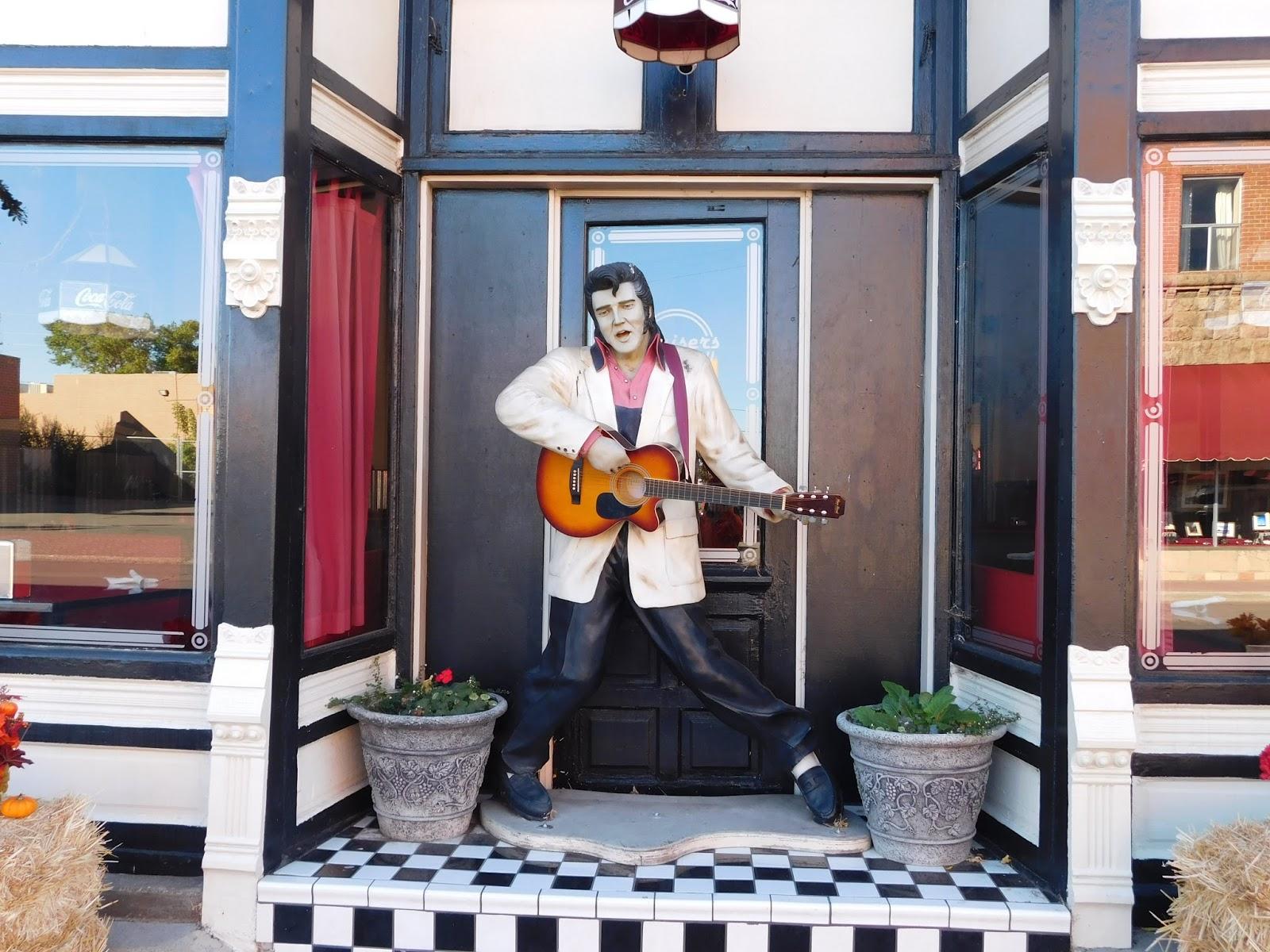 Elvis statue in Williams Arizona