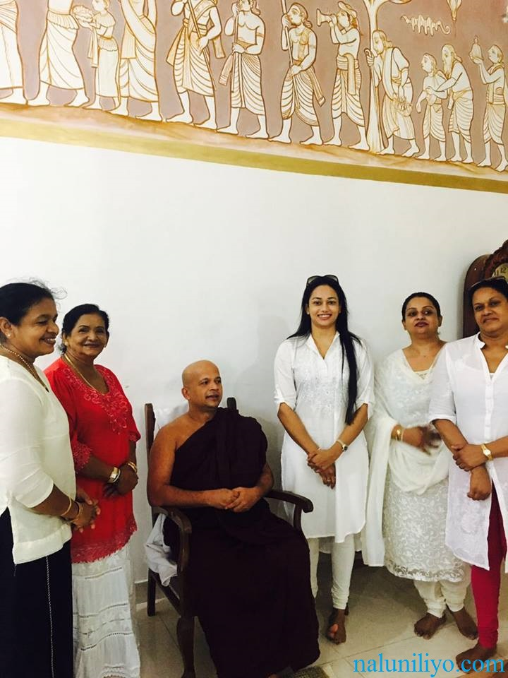 Janaki Wijerathne birthday Uduwe Dhammaloka Thero blessing
