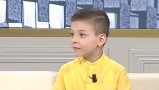 The 8-year-old Albanian with intelligence over the normal wins the competition in France