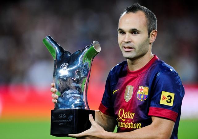 ¿Sería rentable para el Barcelona traspasar a Iniesta?