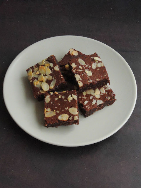 One bowl Almond Brownies, Gluten free Almond brownies