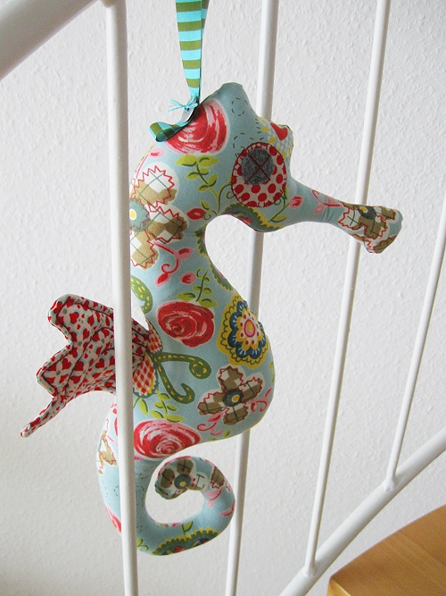 Seahorse FREE Sewing Pattern and Tutorial