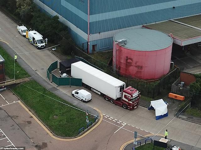 39 người chết trong container  - những dấu bàn tay toàn máu và thi thể không mảnh vải che thân