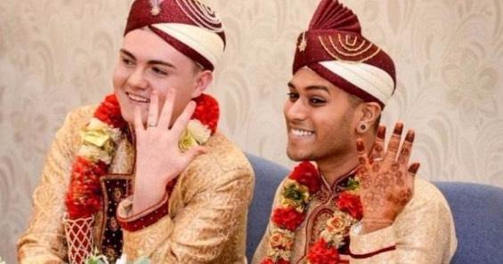 Inilah Pasangan Gay Muslim Yang Pertama Bernikah Di England