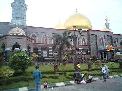 Liburan Ke masjid kubah dian al mahdi depok