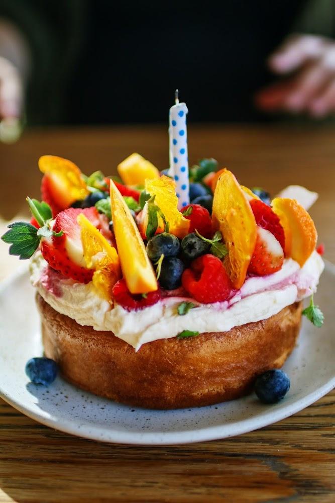 Acre Victoria Sponge Cake