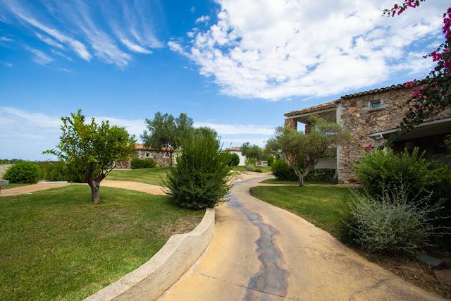 Villas resort hotel-Vialetto interno
