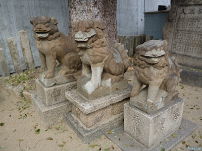 八劔神社狛犬