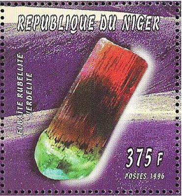 Turmalina elbaita. Niger, 1996. Colección filatélica de Pedro Fandos Rodríguez