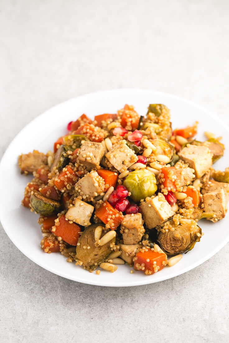 Vegetables and baked tofu with quinoa - Vegetables and baked tofu with quinoa, a vibrant and quite simple dish, ideal for special occasions or to give us a tribute.