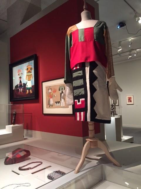 ... aux dessins de l artiste Kutcahonauû de rituels de danse Kachina (et  des poupées les représentant) alors montrés à Zürich ( l Afrique a bon dos). a7f9a3927a1