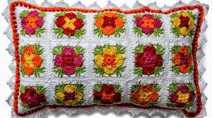 Almohada de grannys de centro floral al crochet - paso a paso
