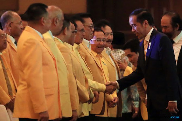Diprediksi Ambruk Karena Dukung Jokowi, Go Prabu Desak Munaslub Golkar