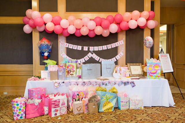 Lauren Stack Bonnets and Bows Themed Birthday Party