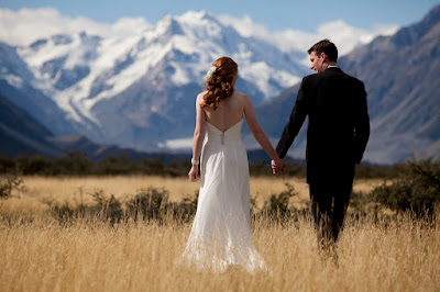 Berita-Unik-Pasangan-Pengantin-Ini-Akan-Tuntut-Fotografer-Kembalikan-Uangnya-Jika-Ia-Bercerai