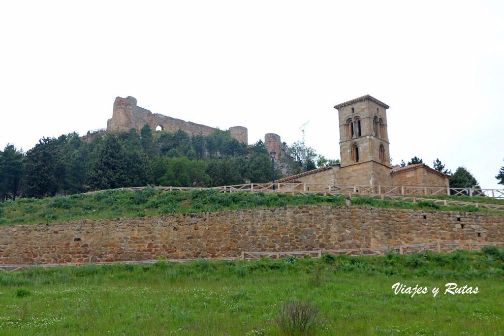 Iglesia de Santa Cecilia y castillo de Aguilar de Campoo