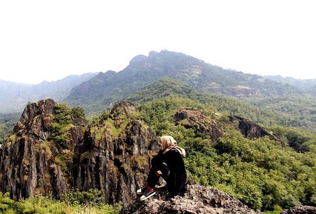 foto gunung sepikul sukoharjo