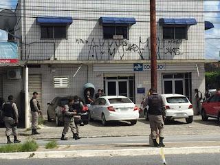 Funcionários são mantidos reféns durante assalto a Correios na Paraíba