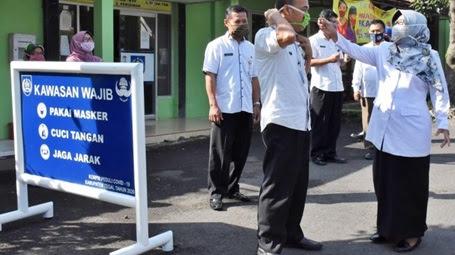 Bupati Tegal Sidak Pejabat Yang Langgar Protokol Kesehatan