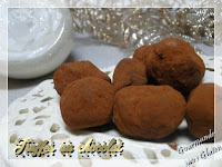http://gourmandesansgluten.blogspot.fr/2017/12/truffes-au-chocolat.html