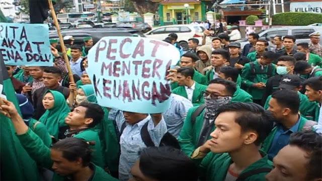 Demo HMI di Gedung BI Medan Ricuh, Mahasiswa Desak Menkeu Dicopot