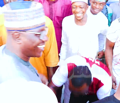 Pasuma prostrated for the Imam after He Snubs His Handshake At Koko Zaria's Hotel Grand Opening. (Video)