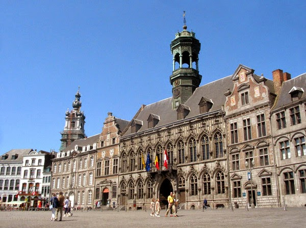 Ayuntamiento de Mons (Mons, Bélgica)